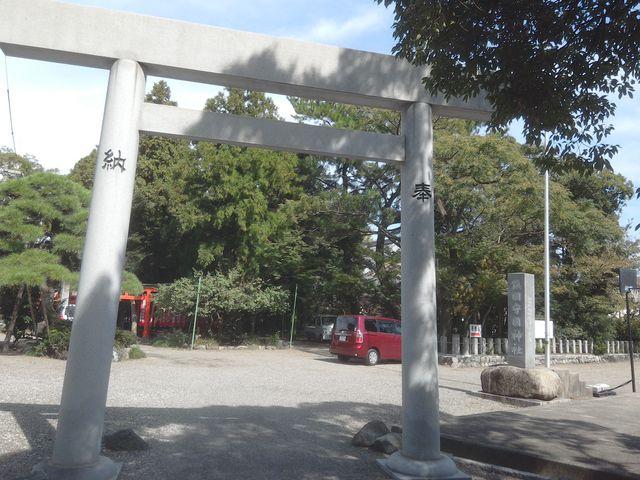 鳥居_鎮国守国神社