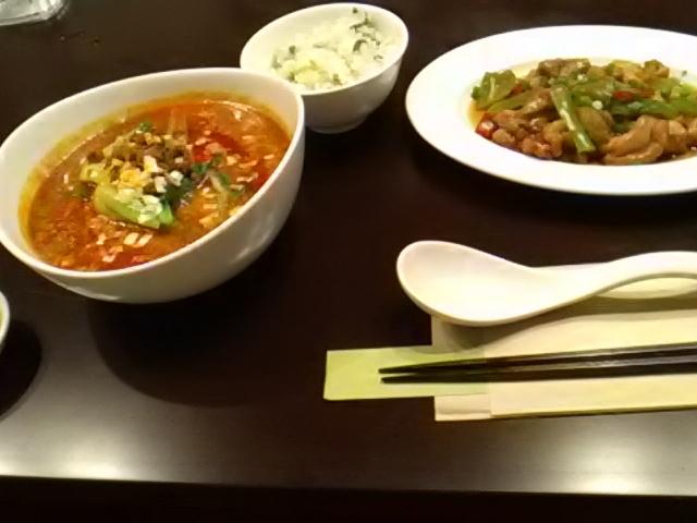 担担麺と豚肉の炒め物、青菜ご飯_飲茶はるのそら
