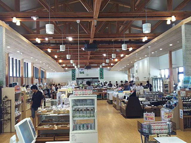 店内も広くきれいでした。_軽井沢発地市庭