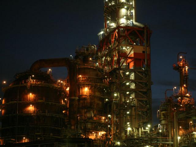 夜の工業地帯_京浜フェリーボート株式会社