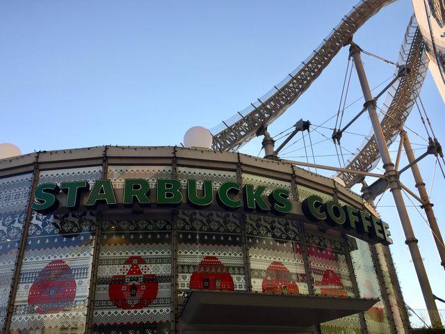 クリスマス仕様_スターバックスコーヒー 東京ドームシティ ラクーア店