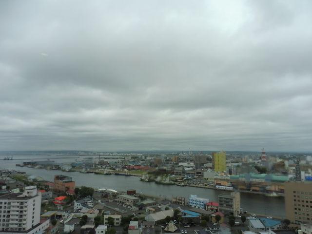 釧路港方面を望む_釧路市生涯学習センター(まなぼっと幣舞)
