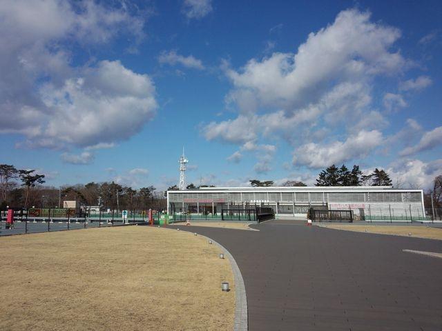 てっぺん広場より八木山動物公園を見る。_八木山てっぺんひろば
