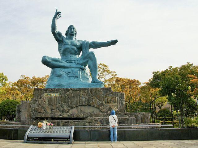 「平和記念像」修復を 平成31年1月からしたので綺麗になりました。_長崎原爆資料館