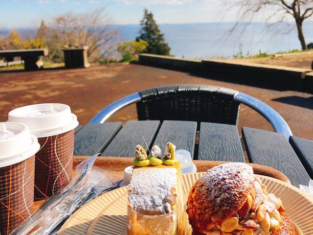 高台なので景色も良くケーキも甘さ控え目で美味しかったです。_一夜城・Yoroizuka・Farm