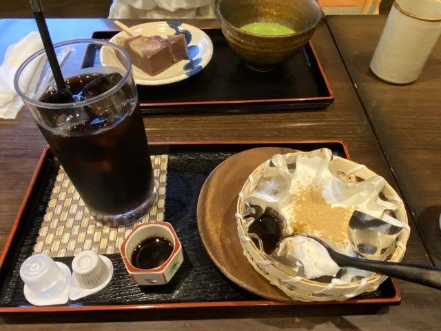 個人的なおすすめの、ざるわらび餅、とアイスコーヒー。_一乗寺中谷