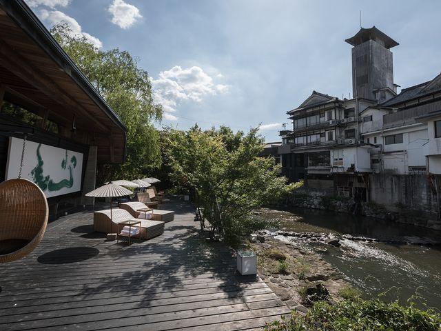 嬉野川をまたぐ旅館_嬉野河畔に佇む日本のリゾート 和多屋別荘