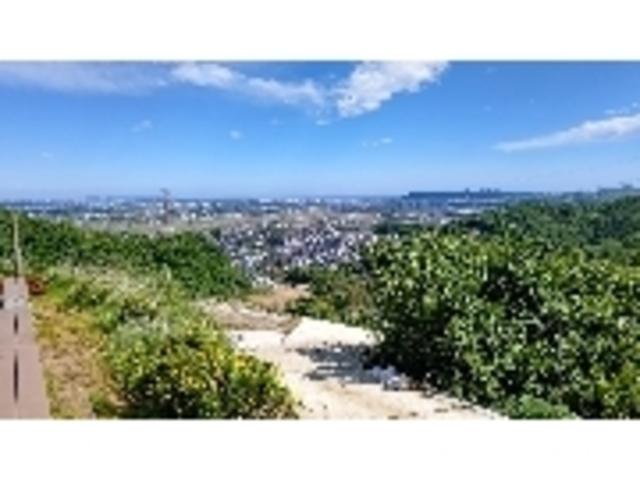 山の上みかん園からの眺望、晴天時は相模湾その沖に房総半島が見えます。_三岳園