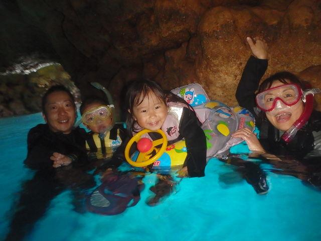 沖縄本島で人気№1ポイント!青の洞窟シュノーケリング!_ダイビングショップ SeaFree