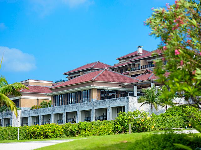 ホテル外観_ザ・リッツ・カールトン沖縄