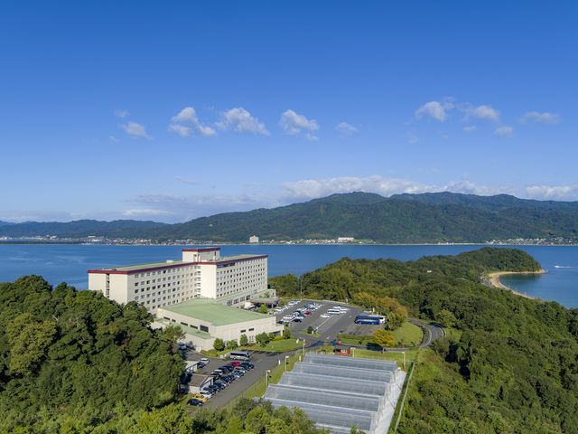 ホテル外観一例。 ホテルからは日本三景天橋立を横一文字に観ることができます。_ホテル&リゾーツ 京都 宮津