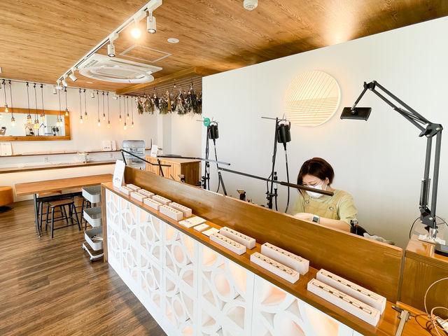 店内では職人がその場で指輪を仕上げてくれます_itosina-イトシナ-