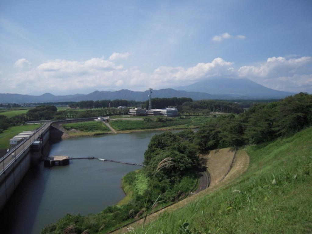 南部片富士湖(四十四田ダム)