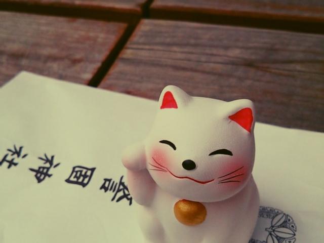 ネコちゃんの中におみくじが。_警固神社