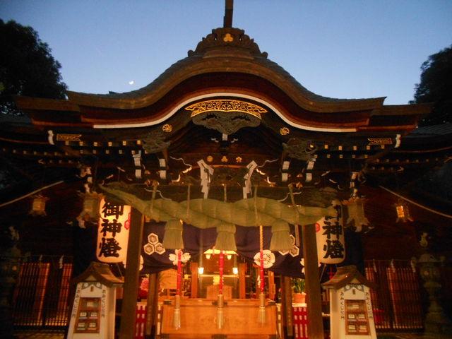 夜に参拝したら、とても綺麗です。_櫛田神社