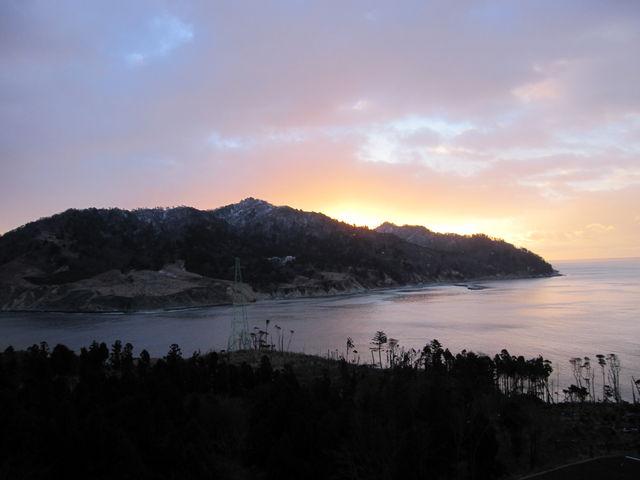 2015年1月2日7時撮影) 朝日を浴びて輝く「金華山」_金華山