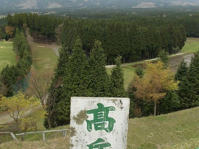 月廻り公園展望台から高岳をのぞむ_高岳