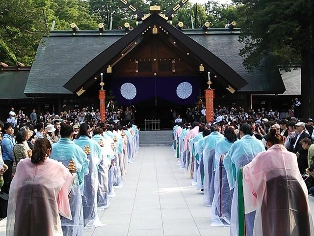 明治天皇の御霊に奉納する舞_北海道神宮