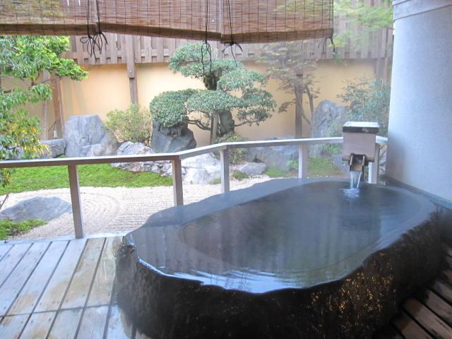 さぎの湯荘 貸切風呂(岩風呂)1_さぎの湯温泉