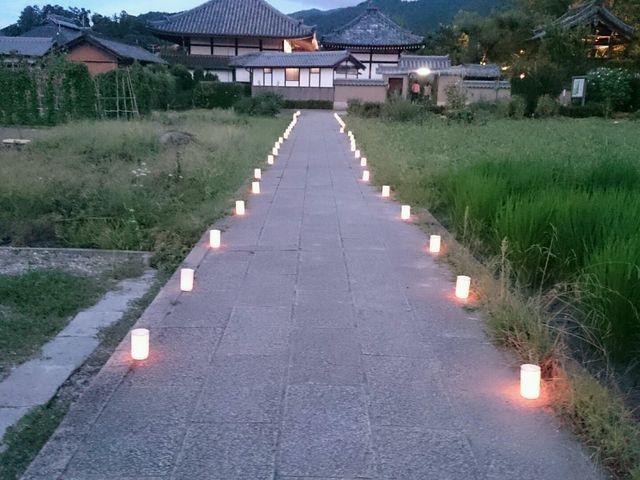 キャンドルで飾らてた明日香寺。_明日香村