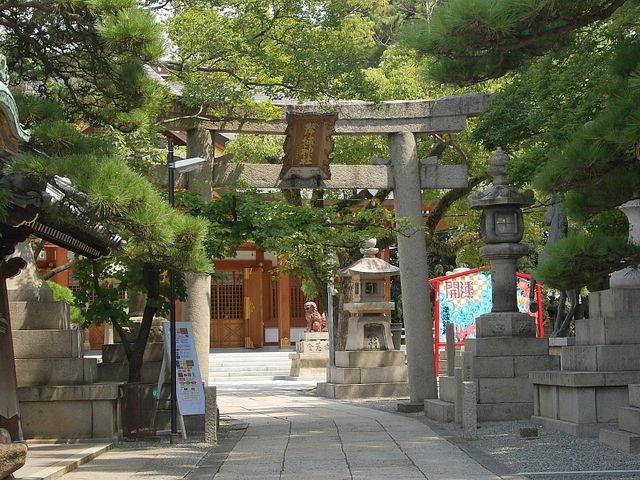 意外と狭い_岸城神社