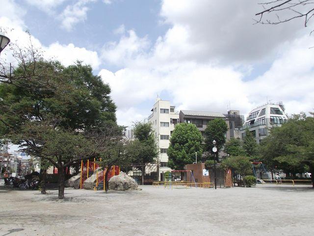 広場と遊具など_日暮里南公園