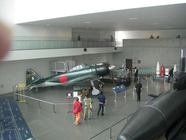 ゼロ式戦闘機全景_呉市海事歴史科学館(大和ミュージアム)