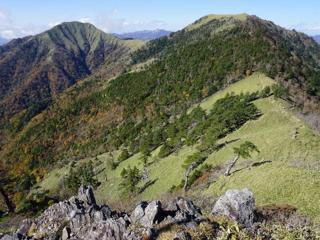 一の森から剣山を臨む_剣山