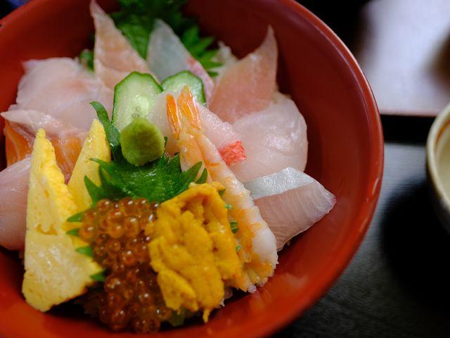 海鮮丼_市場の食堂 金目亭