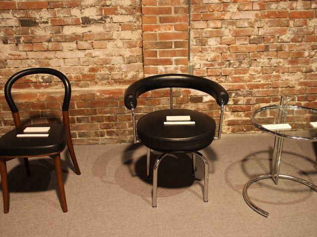 椅子の展示_コレクション館  チェアーズ・ギャラリー
