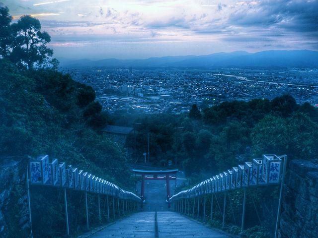 曇りの階段_高良大社