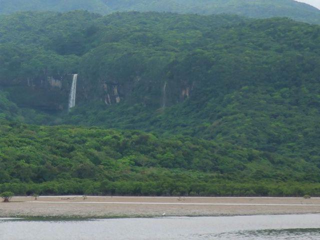 西表島にあるピナイサーラの滝を遠目で見学!_ピナイサーラの滝