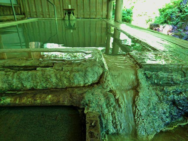 長い歴史の湯船_白骨温泉