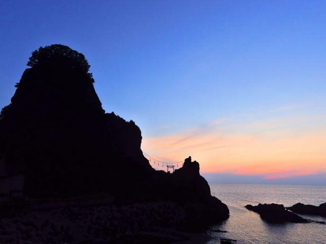 日没_暮坪の立岩