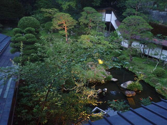 覚林坊の庭園