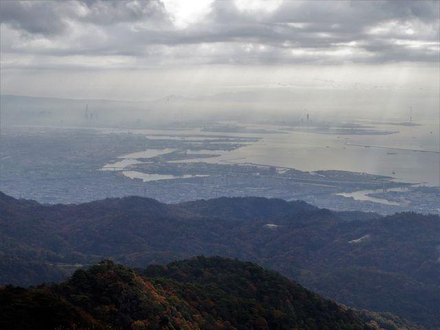六甲ガーデンテラスからの風景です。生駒山地・金剛山地を背景に大阪の街並みが奇麗でした。_六甲有馬ロープウェー