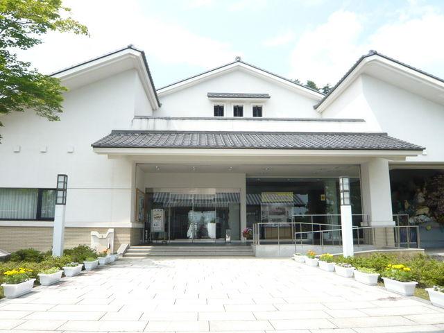 十和田市馬事公苑 称徳館