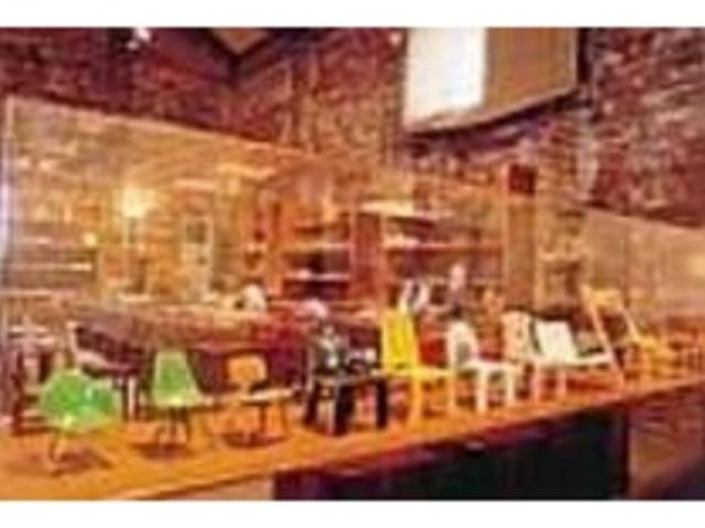 様々なデザイン・機能の椅子を展示_コレクション館  チェアーズ・ギャラリー