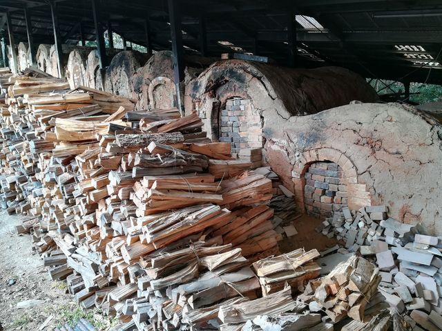 現在も使われている「12連登り窯」_圭峰窯