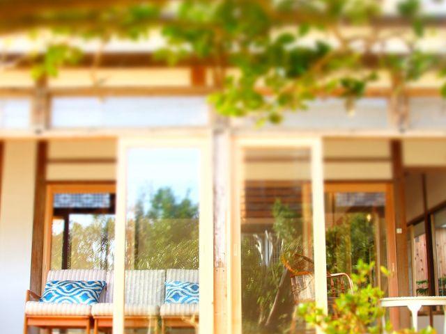 古い建具を残した建築デザインは、心落ち着く空間です。_SURF CITY 宮崎