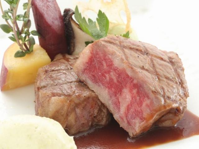 お料理はシェフ自慢のフレンチのコース料理。_広島ベイクルーズ銀河