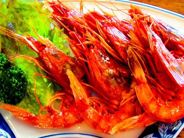 赤エビの塩焼き 定食には味噌汁・ごはん・ひややっこ・お新香つき_さかなや 魚清
