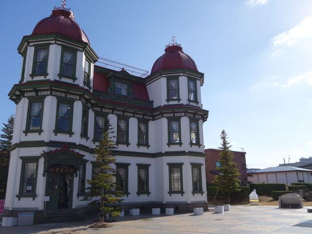 青空と旧図書館_旧弘前市立図書館