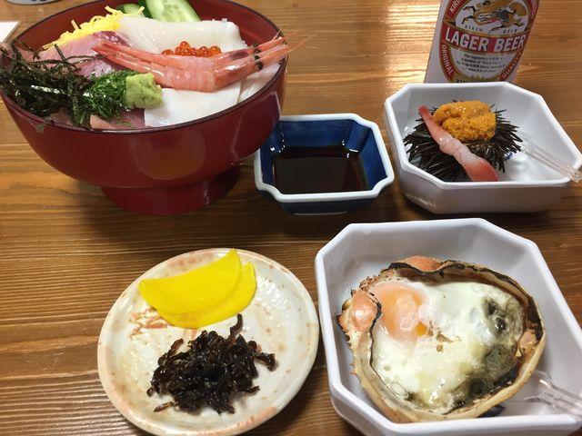 刺身丼、カニ味噌卵、ウニ、ビール_やまに水産