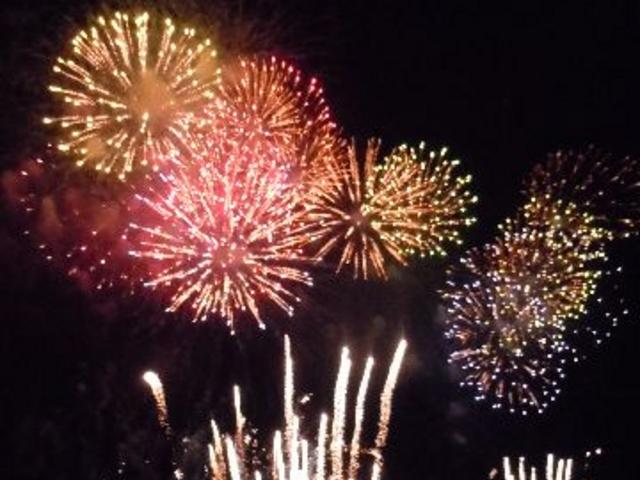 花火大会開催時の花火です。_西武園ゆうえんち