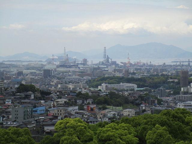 遥か八幡を望む_北九州市立美術館