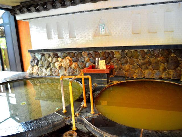 茶褐色の濁り湯_長浜太閤温泉