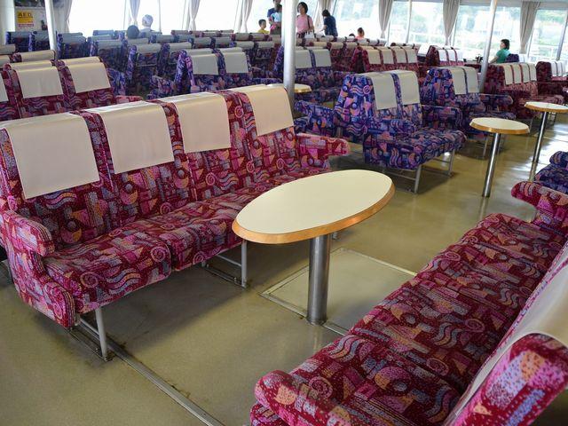 グループにお勧めの席も_東京湾フェリー