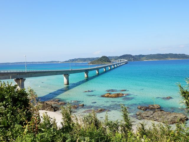 休憩所から撮りました_角島大橋