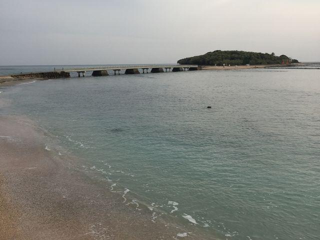 海の色、キレイ!_青島海水浴場